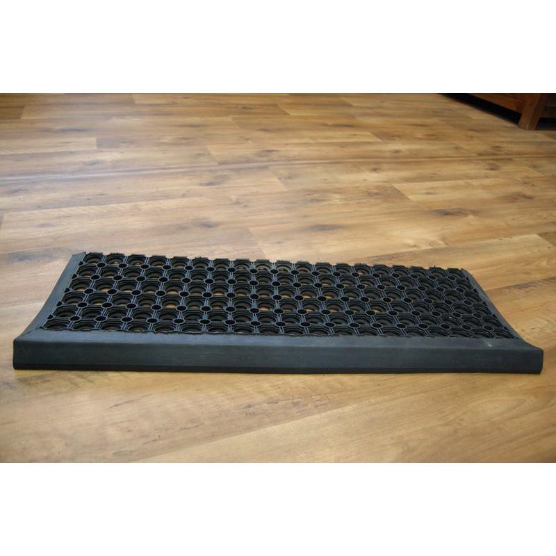 gummi teppich finest gummi im wabendesign gefertigt und haben auf den vorderen beiden matten. Black Bedroom Furniture Sets. Home Design Ideas